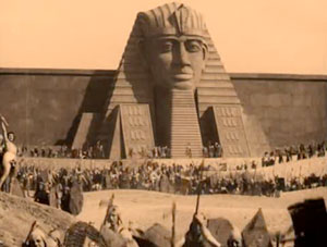 Loves of Pharaoh (1921)