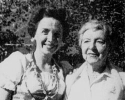 Rosina Lhevinne with filmmaker and former student, Salome Ramras Arkatov (1960)